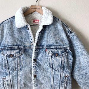 VINTAGE Levi's Sherpa Lined Denim Jacket M